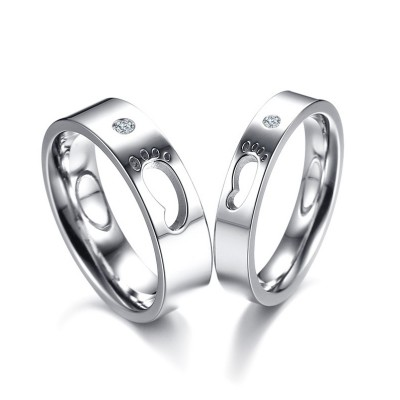 Hollowed-out Footprint Titanium Couple Rings