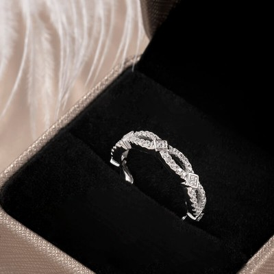 Infinity Round Cut White Sapphire Linked 925 Sterling Silver Women's Wedding Band