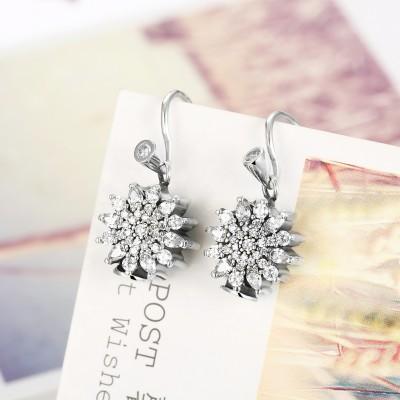 Round Cut Unique White Sapphire S925 Silver Earrings