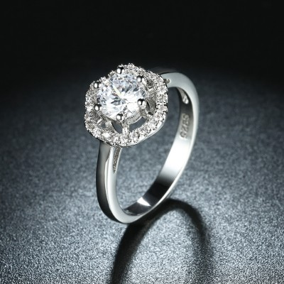 Round Cut White Sapphire Halo S925 Silver Engagement Rings